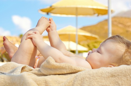 shutterstock_baby sunbathing