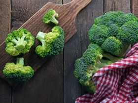 shutterstock_broccoli 2