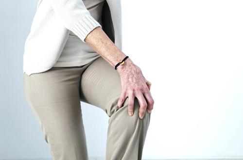 knee pain m