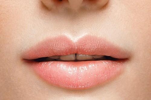 lips m