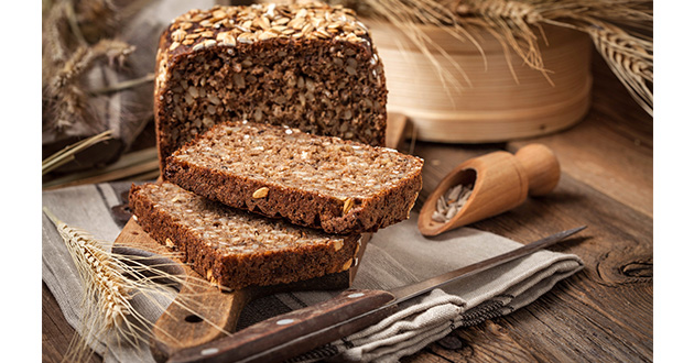 dark bread-630