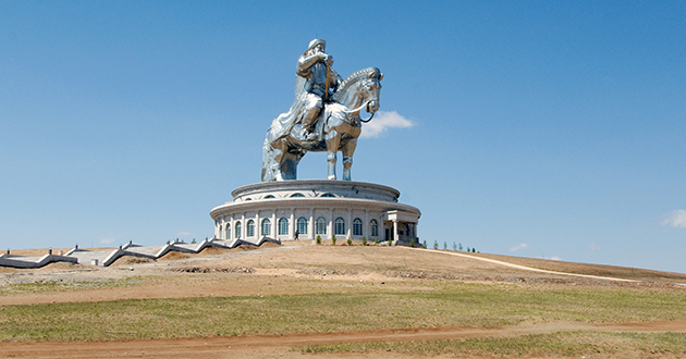 genghis khan statue-630