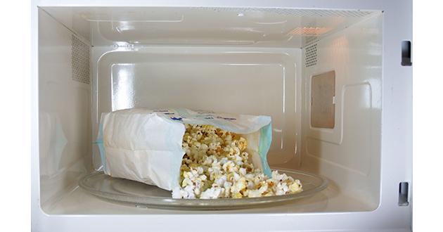 popcorn in microwave-630