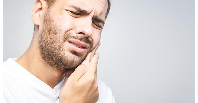 man having toothache-630