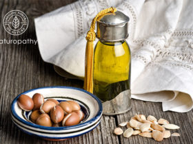 argan oil bottle and seeds-eyecatch