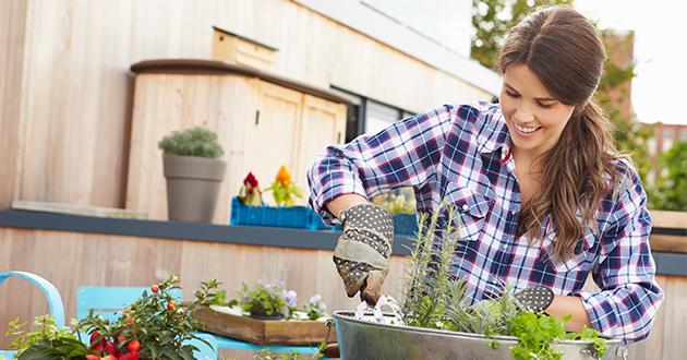 gardening woman-630