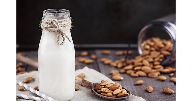 almond milk 061119-630