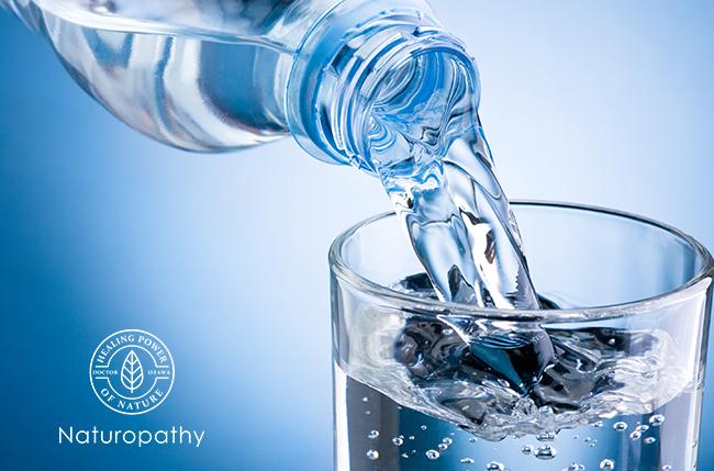 poring water into glass-eyecatch