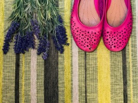 shutterstock_shoes & lavender
