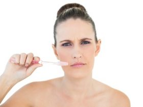 fluoride-brushing-teeth-m