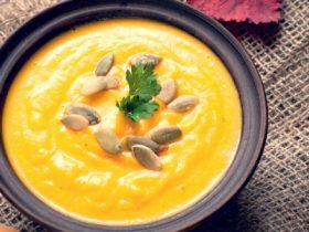 バターナッツかぼちゃとターメリックのスープ