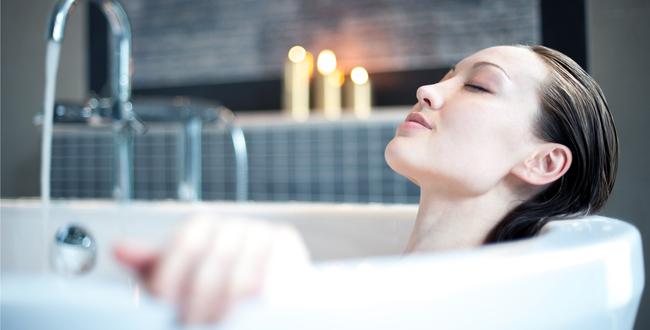 おすすめの使用方法は、バスタブに2滴ほど落として入浴