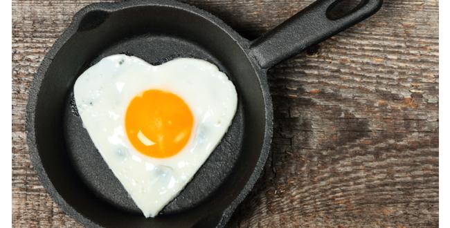 テフロン加工やアルミの鍋は有害物質が含まれているので、鉄、チタン、ガラス素材を選びましょう