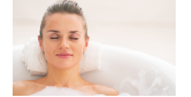 ライムのエッセンシャルオイルをバスタブに落として入浴すると、筋肉や関節きのうをの強化に効果的