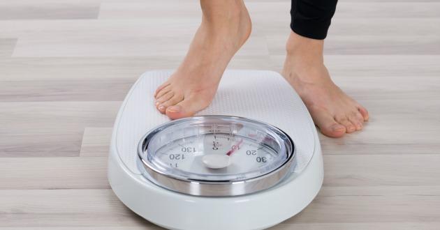 脂肪燃焼に効果的だと言われる人気のヨガ