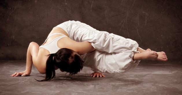 ヨガはストレス緩和などのメンタルな部分にも大いに効果的