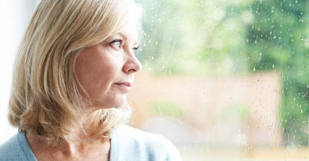 セロトニンを増やす事で神経伝達を促進し、うつ病の症状が改善される
