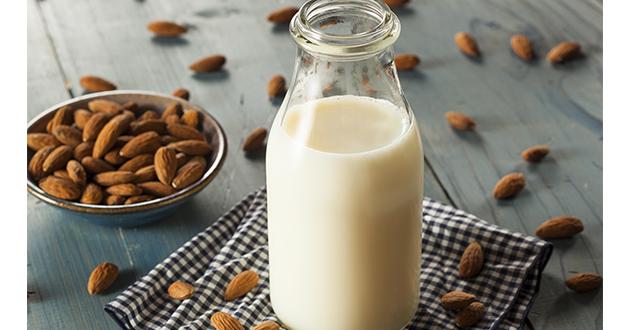 たんぱく質源にアーモンドミルク