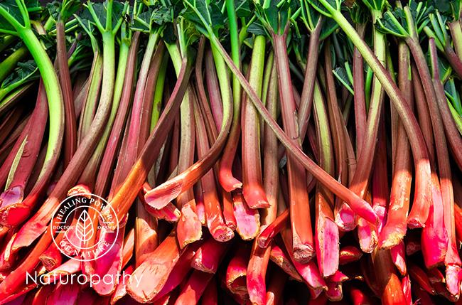 【ルバーブ】~野菜?フルーツ?甘酸っぱい味と香り、栄養満点の赤い茎~