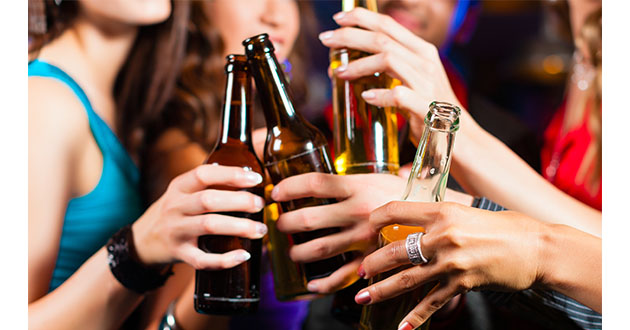 大量のアルコール摂取は急性胃炎がおこりやすくなる