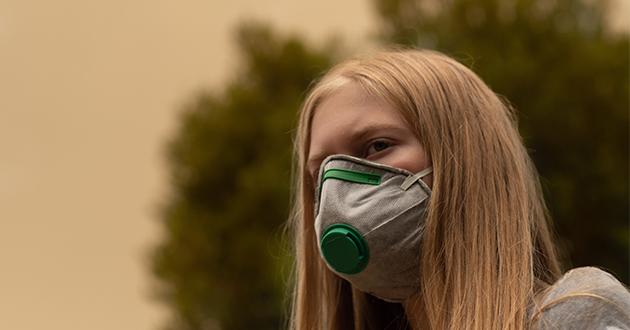 PM2.5対応のマスクをつけ体を守る