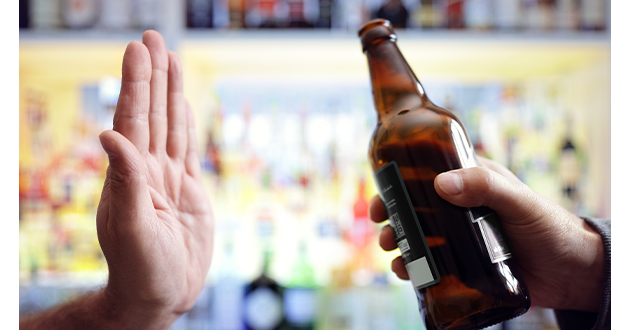 アルコールは花粉症の症状を悪化させる